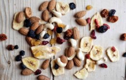 nuts-dried-fruit