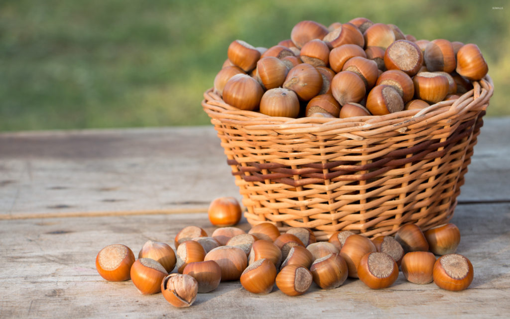 basket-of-hazelnuts-on-the-wooden-table-48536-2880x1800
