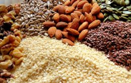 raw-nuts-and-seeds-for-your-skin-1200x750
